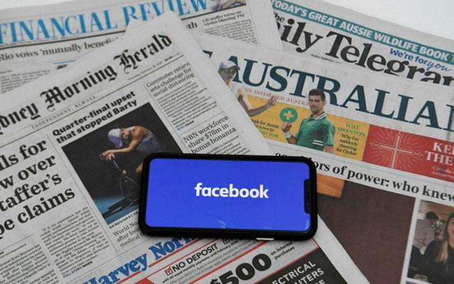 """""""Facebook thật nguy hiểm"""": Trước ngày tiêm chủng COVID-19 tại Úc, báo chí chính thống thì bị chặn, tin giả chống vắc-xin thì còn đó"""