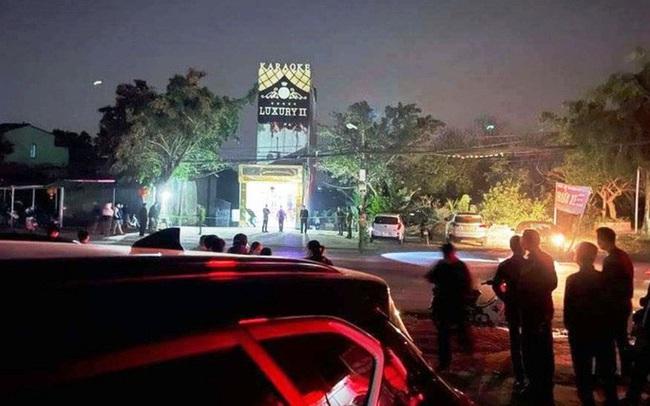 Hỗn chiến kinh hoàng trước quán karaoke, 3 nam nữ thanh niên tử vong