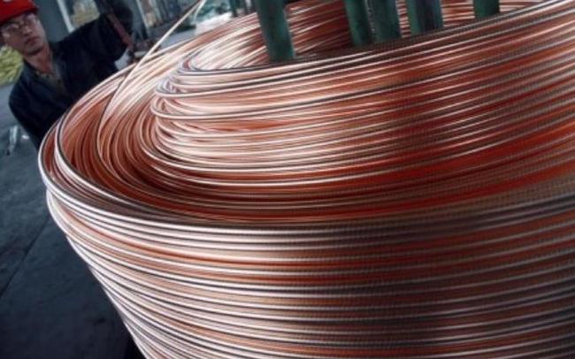 Giá đồng tăng vọt lên gần 9.200 USD/tấn, cao nhất gần 10 năm