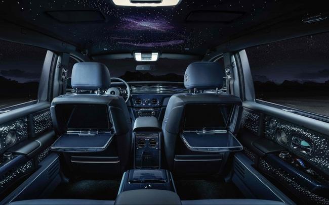 Bộ sưu tập với 20 chiếc xe Phantom Tempus Rolls-Royce, đều được đặt trước đã đưa khách hàng du hành vũ trụ như thế nào?