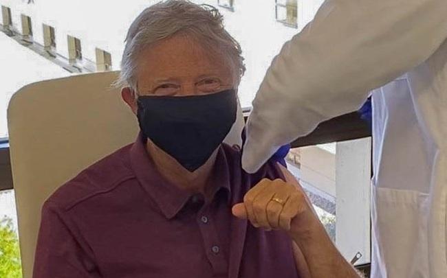 Bill Gates, vắc xin và những chiếc khẩu trang