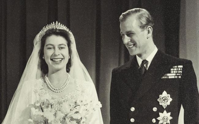 Sự thật ít được biết đến về cuộc hôn nhân 74 năm của Nữ hoàng Anh: Từng bị cha mẹ phản đối dữ dội trước khi hạnh phúc viên mãn ở độ tuổi xưa nay hiếm
