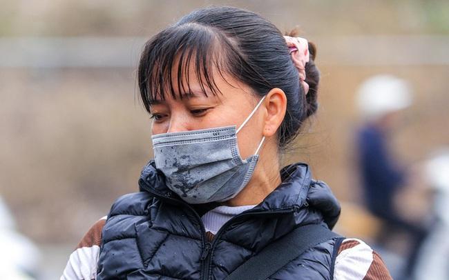 CLIP: Dịch Covid-19, chợ cá lớn nhất Hà Nội vẫn đỏ rực trước ngày cúng ông Công, ông Táo