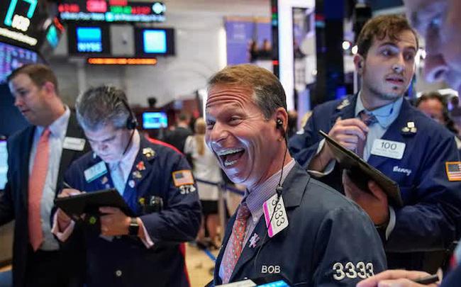 Phố Wall thăng hoa 4 phiên liên tiếp, S&P 500 chạm đỉnh lịch sử