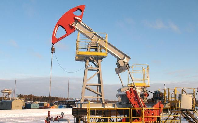 Tăng gần 10% trong tuần, giá dầu lên cao nhất 1 năm nhờ kinh tế Mỹ
