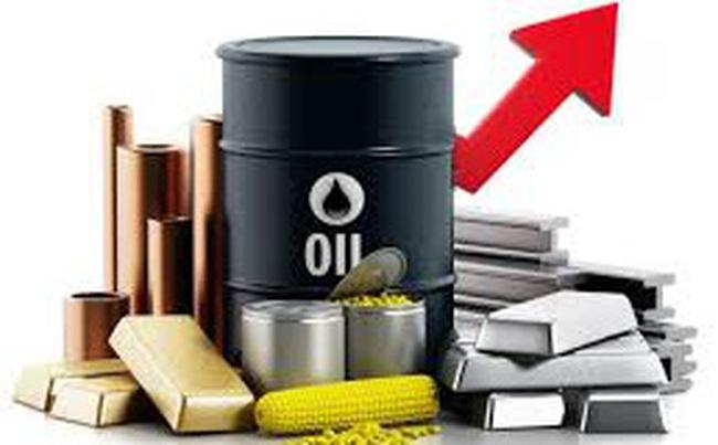 Thị trường ngày 06/2: Giá dầu, đồng, quặng sắt đồng loạt tăng, vàng lấy lại mốc 1800 USD