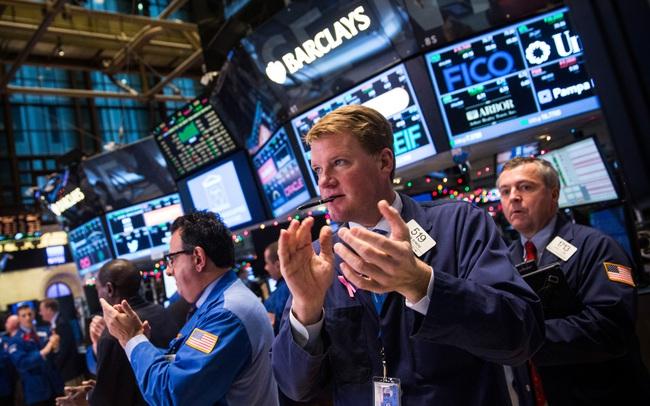 S&P 500 tiếp tục chạm đỉnh lịch sử, Phố Wall có tuần khởi sắc nhất kể từ tháng 11