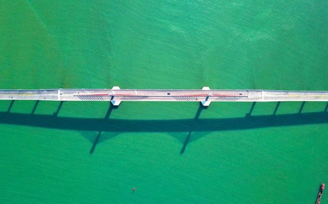 Cận cảnh cây cầu gần 1000 tỷ đồng đẹp nhất Nghệ An - Hà Tĩnh cho phép một số loại xe lưu thông dịp Tết
