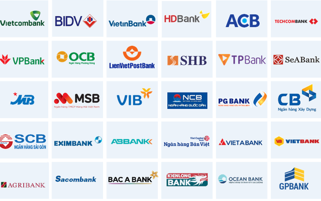 """Một số ngân hàng áp dụng """"zero fee"""", các nhà băng còn lại đang """"tận thu"""" phí dịch vụ mobile banking như thế nào?"""