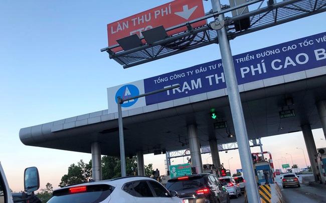 Yêu cầu xả trạm BOT nếu ùn tắc kéo dài từ 700 mét