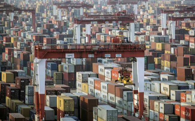 financial times  cang trung quoc tranh gianh nhau container xuat khau dinh tre giao hang cham tre va gia ca tang cao