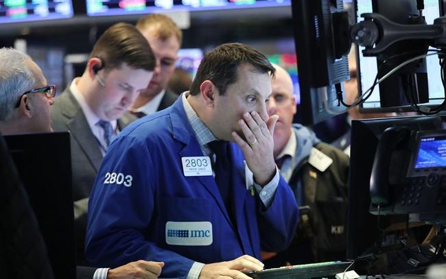Lo ngại lạm phát bị lu mờ, Dow Jones bất ngờ tăng vọt hơn 600 điểm