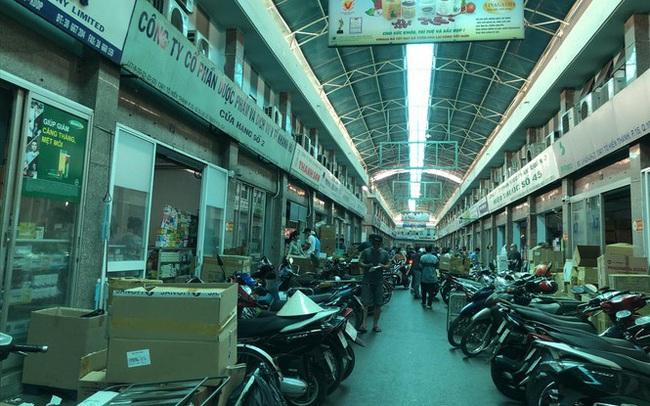 Bát nháo chợ tân dược lớn nhất nước: Mua gì cũng bán