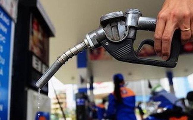 Giá xăng có thể tăng mạnh vào ngày mai (12/3)