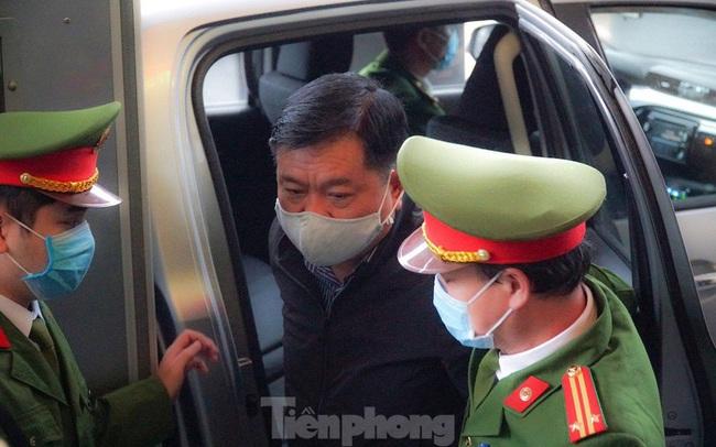 Ông Đinh La Thăng: 'Tôi không chỉ định thầu'