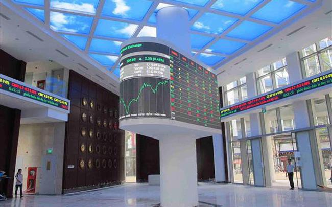 """Liên tục nghẽn lệnh, sàn HoSE vẫn """"nhận"""" thêm 3 doanh nghiệp với hơn 1,2 tỷ cổ phiếu mới vào giao dịch"""