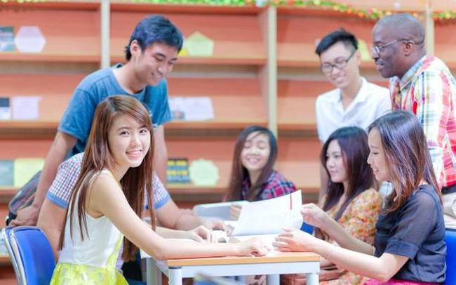 Ngành học nghe tên đã thấy sang chảnh, khối xét tuyển thì vô cùng đa dạng, mức lương và tiềm năng việc làm không phải dạng vừa