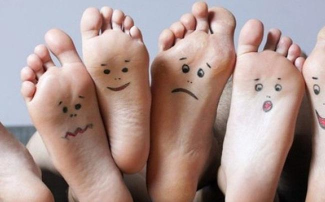 Người sống lâu sẽ thấy rõ 3 đặc điểm xuất hiện ở bàn chân, không có thì cần xem lại sức khỏe ngay