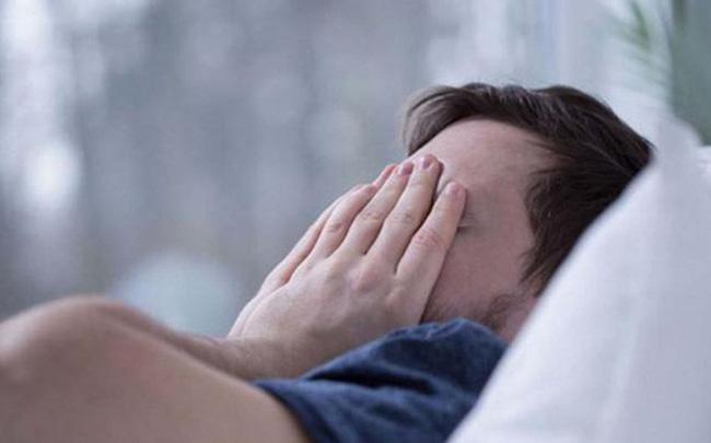 Nỗi ám ảnh khi mang căn bệnh mở mắt ra là nhà cửa lộn ngược: Đang có xu hướng gia tăng, ai cũng có thể mắc