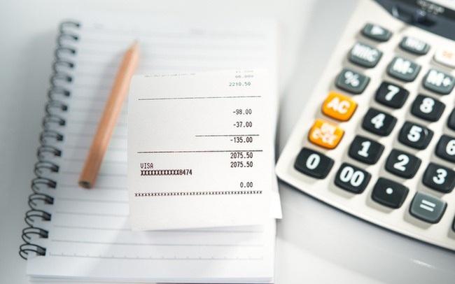 Nhà sáng lập nền tảng quản lý tài chính hướng dẫn bạn cách lập kế hoạch chi tiêu và xem xét ngân sách hợp lý trong vòng 1 năm