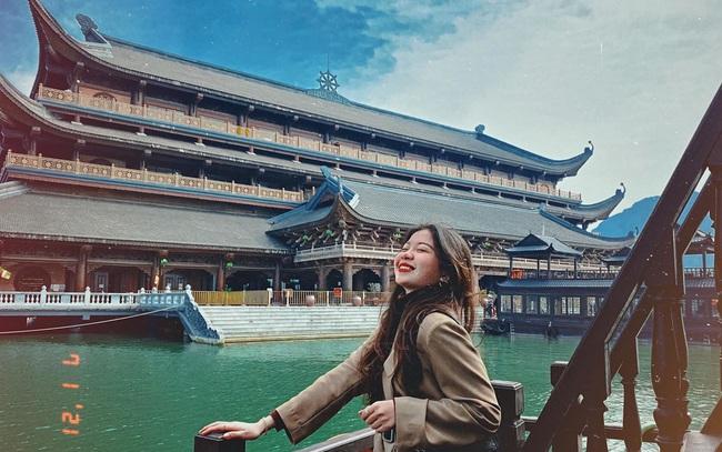 Kinh nghiệm đi chùa Tam Chúc để không bị đông nghẹt người mà lại ngắm được cảnh đẹp