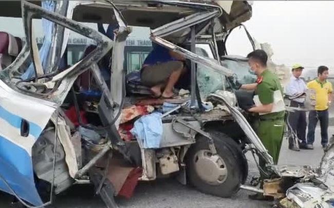 Tai nạn thảm khốc khiến 2 người tử vong, 20 người bị thương: Hành khách là người thân đi lễ đền