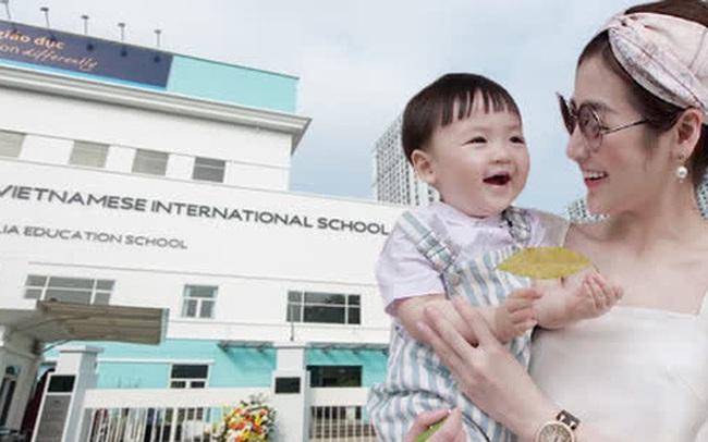 Á hậu kết hôn với thiếu gia ngành xây dựng, con trai sinh ra đã ngậm thìa vàng, 2 tuổi được bố mẹ gửi gắm vào trường học phí đắt nhất Hà thành