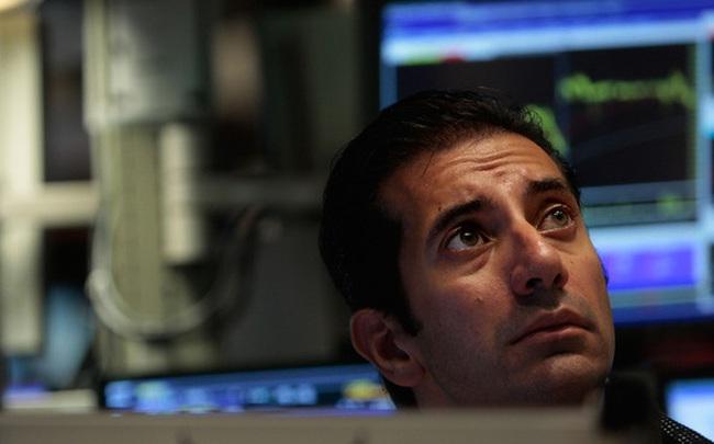 Lợi suất trái phiếu tăng vọt khiến cổ phiếu công nghệ đồng loạt rớt điểm, S&P 500 và Dow Jones rời đỉnh