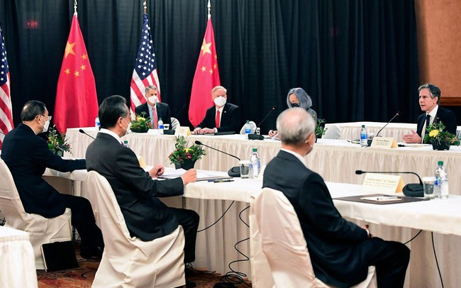 Không có tôm hùm Alaska và cũng chẳng có tiệc chiêu đãi, cuộc gặp ngoại giao Mỹ - Trung kết thúc trong căng thẳng và sự mông lung