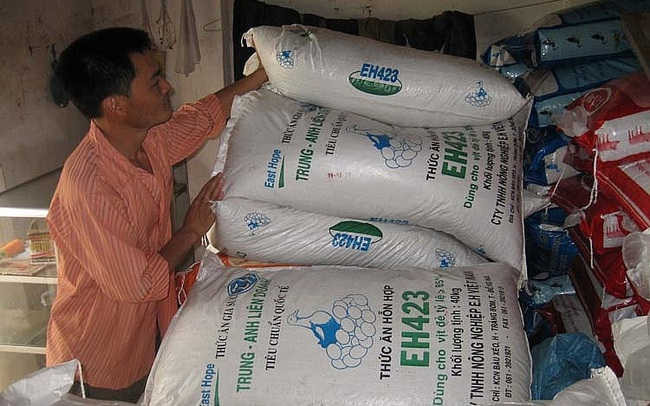 Sản xuất thức ăn chăn nuôi: Phụ thuộc nguyên liệu nhập khẩu