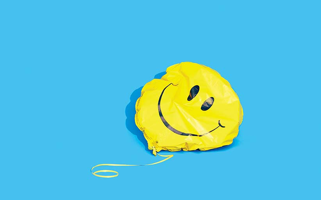 Vì sao Covid-19 khiến người già hạnh phúc hơn còn người trẻ lại bất hạnh hơn?
