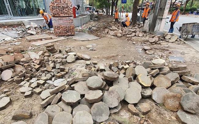 Cả nghìn mét vuông vỉa hè quận Hoàng Mai bị đào xới không phép