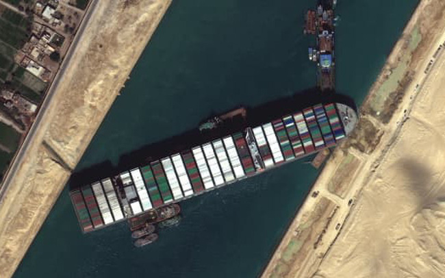"""Gió """"bị oan"""" trong sự cố tồi tệ trên kênh đào Suez?"""
