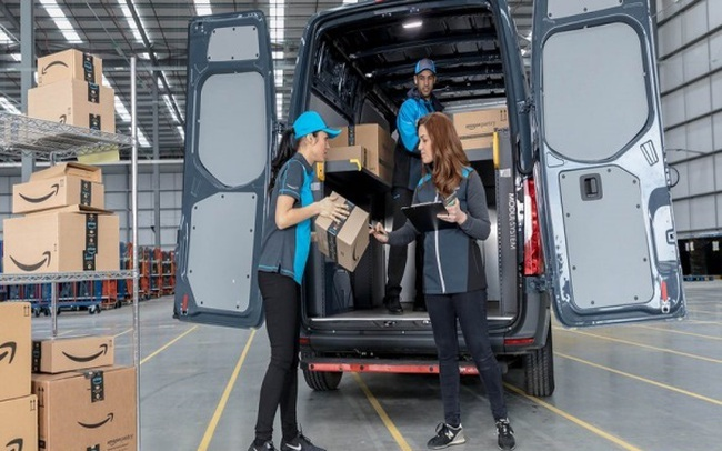 Amazon buộc nhân viên thỏa hiệp bị giám sát hoặc mất việc