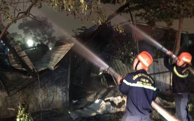 Kho để xe đồ chơi ở Đà Nẵng bốc cháy ngùn ngụt lúc rạng sáng