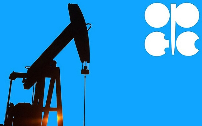 OPEC+ bất ngờ giữ nguyên mức giảm sản lượng, giá dầu vọt lên cao nhất hơn 1 năm