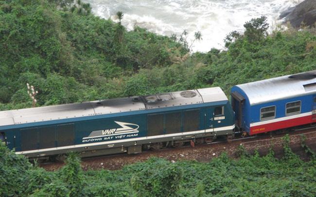 """Đường sắt Việt Nam: Làm gì để thoát khỏi tình thế """"một mất một còn""""?"""