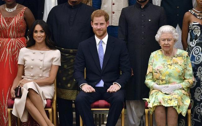 Đại chiến thâm cung: Hoàng tử Harry và vợ Meghan Markle bóc trần loạt sự thật gây sốc về hoàng gia Anh