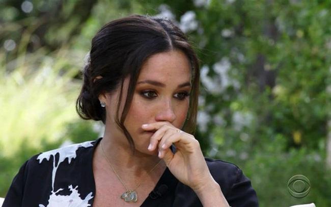 Meghan Markle lại bị chuyên gia thân thiết với Công nương Diana bóc mẽ lời tuyên bố từng muốn tự tử vì không được hoàng gia giúp đỡ