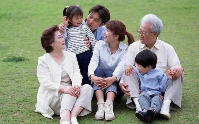 Thế hệ chuột túi trung niên ở Hàn Quốc: Thất nghiệp, ăn bám cha mẹ và sợ kết hôn