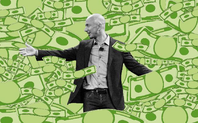 Để biến Amazon thành đế chế bán lẻ, tỷ phú Jeff Bezos cũng phải vận dụng không ít chiến thuật cân não: Đối thủ chẳng có gì đáng sợ, khách hàng mới là trên hết