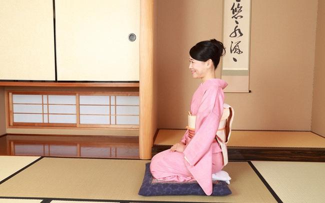Vì sao người Nhật Bản thường ngồi bệt xuống sàn để ăn?
