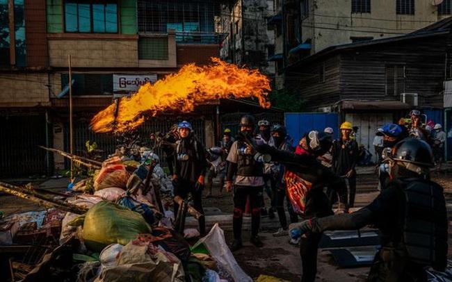 Nền kinh tế rơi tự do vì bất ổn chính trị, Myanmar chuẩn bị cho kịch bản tồi tệ nhất?