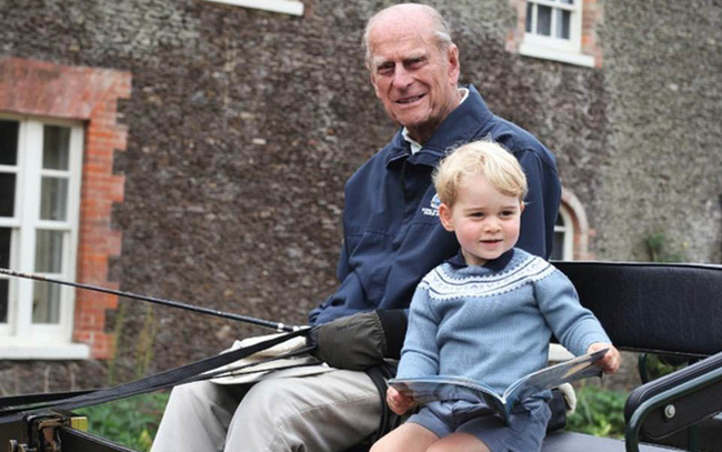 Hoàng tử William và em trai Harry cùng nhau lên tiếng về sự ra đi của Hoàng tế Philip