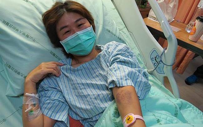 Bị ung thư phổi, cô gái khóc nấc khi lỡ chủ quan bỏ qua dấu hiệu nguy hiểm này ở ngón tay