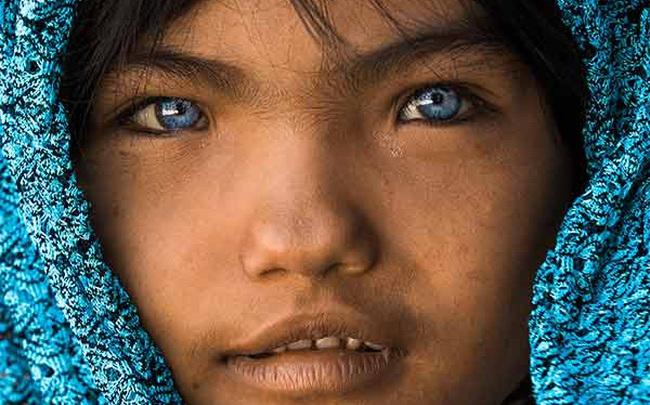 """Nhiếp ảnh gia người Pháp """"gây sốt"""" với 10 năm theo đuổi hành trình bảo tồn nét văn hóa 54 dân tộc Việt Nam qua ảnh"""