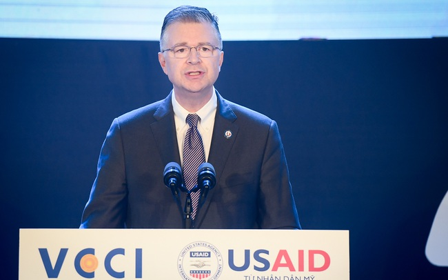 Đại sứ Hoa Kỳ tại Việt Nam: Điểm sáng PCI 2020 là chi phí phi chính thức giảm đáng kể