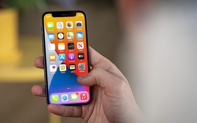 Năm sau Apple mới khai tử iPhone 12 mini?