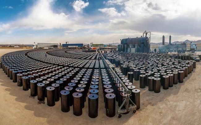 OPEC+ quyết định nới lỏng việc hạn chế sản lượng, giá dầu vẫn bật tăng mạnh