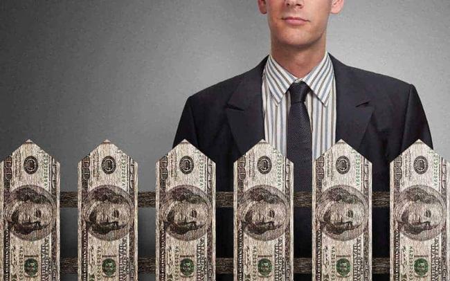Có người cho bạn vay tiền không lấy lãi, bạn quyết định ứng bao nhiêu? Câu trả lời chỉ ra tư duy khác biệt về tiền bạc của người giàu, kẻ nghèo